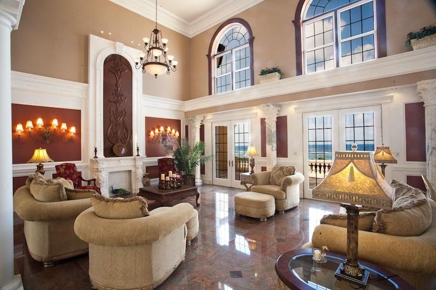 Luxury Den of Large home overlooking the ocean